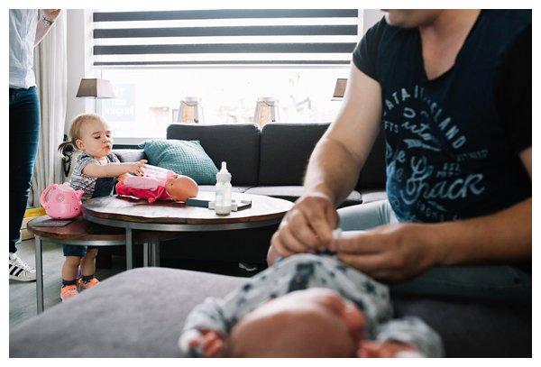 oh-belle_pure-newbornshoot_day-in-the-life_newbornshoot-nijkerk_fotograaf-newborn_0005 Day in the life shoot tijdens avondritueel