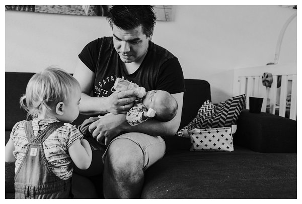 oh-belle_pure-newbornshoot_day-in-the-life_newbornshoot-nijkerk_fotograaf-newborn_0007 Day in the life shoot tijdens avondritueel