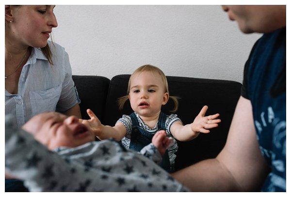 oh-belle_pure-newbornshoot_day-in-the-life_newbornshoot-nijkerk_fotograaf-newborn_0010 Newborn shoot tijdens avondritueel