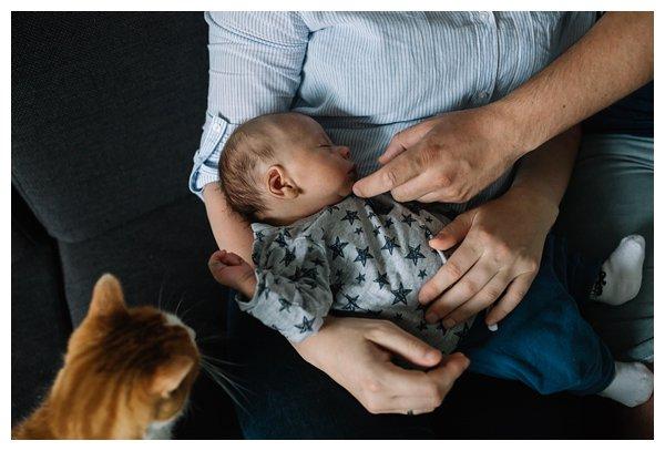 oh-belle_pure-newbornshoot_day-in-the-life_newbornshoot-nijkerk_fotograaf-newborn_0035 Newborn shoot tijdens avondritueel