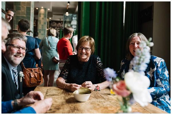 oh-belle_bruidsfotograaf-Leiden_trouwen-in-leiden_bruiloft-leiden_stadhuis-leiden-trouwen_0049 Bruiloft in Leiden, Frank&Jantsje