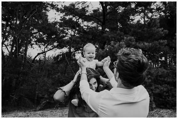 oh-belle_gezinsfoto-buiten_pure-gezinsfotos_fotoshoot-gezin_0018 Gezinsfotoshoot Wekeromse Zand