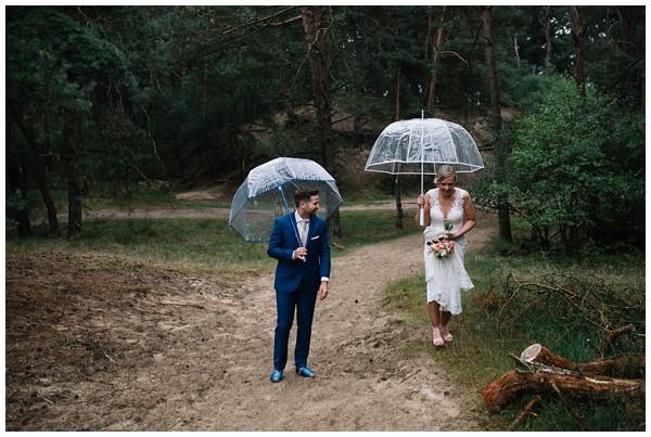 oh-belle_bruidsfotograaf_trouwen-in-een-tent_bruiloft-regen-fotografie_regen-tijdens-bruiloft_trouwfotograaf-Utrecht_0119 Bruiloft Evertjan Monique, trouwen in een tent