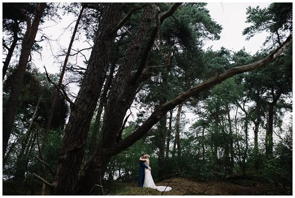 oh-belle_bruidsfotograaf_trouwen-in-een-tent_bruiloft-regen-fotografie_regen-tijdens-bruiloft_trouwfotograaf-Utrecht_0121 Bruiloft Evertjan Monique, trouwen in een tent