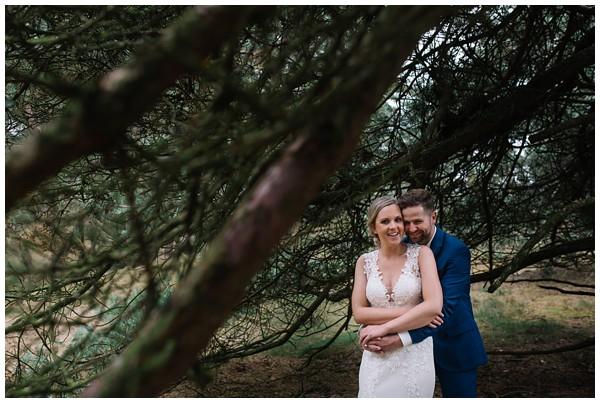 oh-belle_bruidsfotograaf_trouwen-in-een-tent_bruiloft-regen-fotografie_regen-tijdens-bruiloft_trouwfotograaf-Utrecht_0124 Bruiloft Evertjan Monique, trouwen in een tent