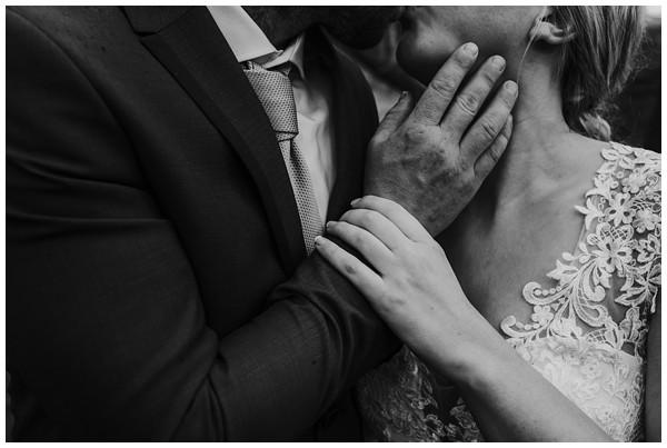 oh-belle_bruidsfotograaf_trouwen-in-een-tent_bruiloft-regen-fotografie_regen-tijdens-bruiloft_trouwfotograaf-Utrecht_0132 Bruiloft Evertjan Monique, trouwen in een tent