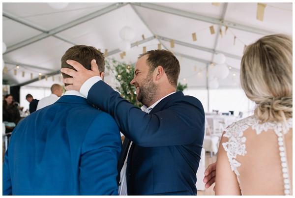 oh-belle_bruidsfotograaf_trouwen-in-een-tent_bruiloft-regen-fotografie_regen-tijdens-bruiloft_trouwfotograaf-Utrecht_0154 Bruiloft Evertjan Monique, trouwen in een tent