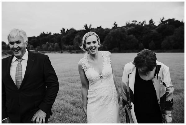oh-belle_bruidsfotograaf_trouwen-in-een-tent_bruiloft-regen-fotografie_regen-tijdens-bruiloft_trouwfotograaf-Utrecht_0160 Bruiloft Evertjan Monique, trouwen in een tent