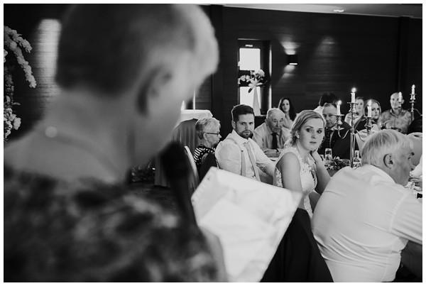 oh-belle_bruidsfotograaf_trouwen-in-een-tent_bruiloft-regen-fotografie_regen-tijdens-bruiloft_trouwfotograaf-Utrecht_0166 Bruiloft Evertjan Monique, trouwen in een tent