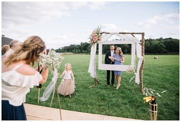 oh-belle_bruidsfotograaf_trouwen-in-een-tent_bruiloft-regen-fotografie_regen-tijdens-bruiloft_trouwfotograaf-Utrecht_0167 Bruiloft Evertjan Monique, trouwen in een tent