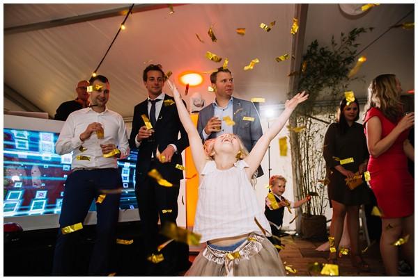 oh-belle_bruidsfotograaf_trouwen-in-een-tent_bruiloft-regen-fotografie_regen-tijdens-bruiloft_trouwfotograaf-Utrecht_0174 Bruiloft Evertjan Monique, trouwen in een tent