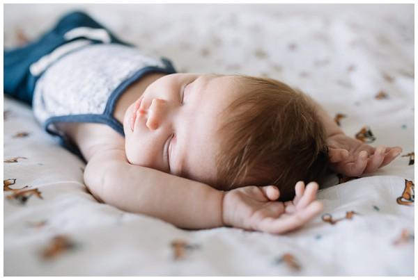 oh-belle_newborn-fotoshoot_newborn-shoot-thuis_pure-gezinsfotos_newbornshoot-amstelveen_fotograaf-amstelveen_0210 Newbornshoot Amstelveen Lieve