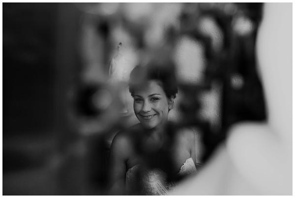 oh-belle_bruidsfotograag_fotograaf-trouwen-ermelo_trouwen-op-de-hei_pure-trouwfotos_bruidsfotograaf-utrecht_0013 Trouwen in een tent en een mint groene tuk tuk