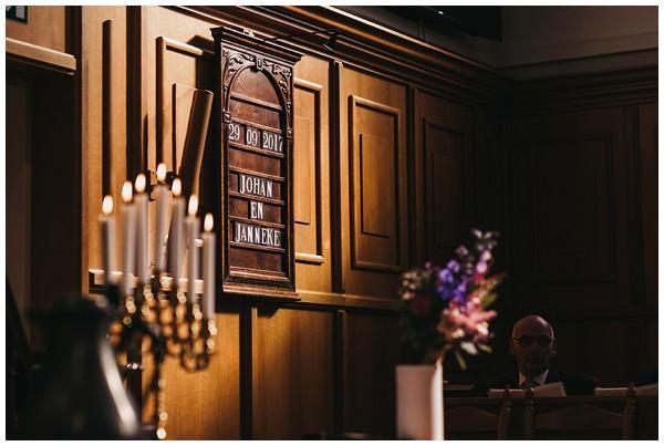 oh-belle_bruidsfotograag_fotograaf-trouwen-ermelo_trouwen-op-de-hei_pure-trouwfotos_bruidsfotograaf-utrecht_0056 Trouwen in een tent en een mint groene tuk tuk
