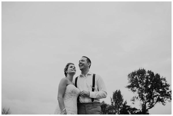 oh-belle_bruidsfotograag_fotograaf-trouwen-ermelo_trouwen-op-de-hei_pure-trouwfotos_bruidsfotograaf-utrecht_0061 Trouwen in een tent en een mint groene tuk tuk