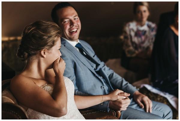 oh-belle_bruidsfotograag_fotograaf-trouwen-ermelo_trouwen-op-de-hei_pure-trouwfotos_bruidsfotograaf-utrecht_0066 Trouwen in een tent en een mint groene tuk tuk