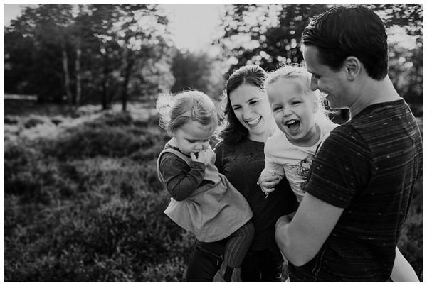 oh-belle_gezinsshoot-herfst_gezinsfotos-buiten-herfst_fotoshoot-herfst_fotoshoot-buiten_fotograaf-veenendaal_fotoshoot-slaperdijk_0070 Gezinsshoot herfst