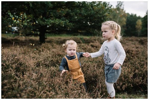 oh-belle_gezinsshoot-herfst_gezinsfotos-buiten-herfst_fotoshoot-herfst_fotoshoot-buiten_fotograaf-veenendaal_fotoshoot-slaperdijk_0072 Gezinsshoot herfst