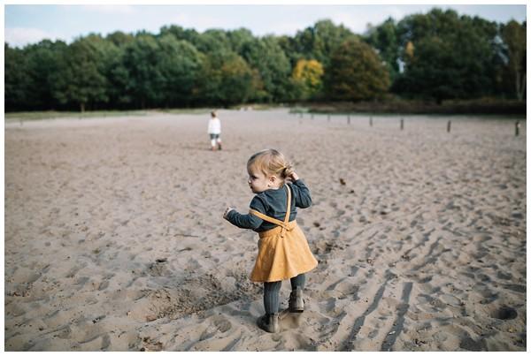 oh-belle_gezinsshoot-herfst_gezinsfotos-buiten-herfst_fotoshoot-herfst_fotoshoot-buiten_fotograaf-veenendaal_fotoshoot-slaperdijk_0077 Gezinsshoot herfst