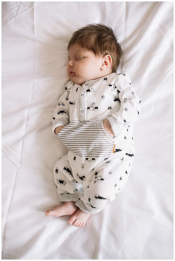 oh-belle_newbornshoot-kockengen_newborn-shoot-utrecht_newborn-lifestyle-shoot-thuis_fotoshoot-baby-thuis_0102 Newborn shoot Kockengen Jan