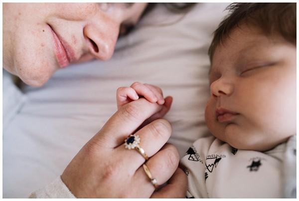 oh-belle_newbornshoot-kockengen_newborn-shoot-utrecht_newborn-lifestyle-shoot-thuis_fotoshoot-baby-thuis_0103 Newborn shoot Kockengen Jan
