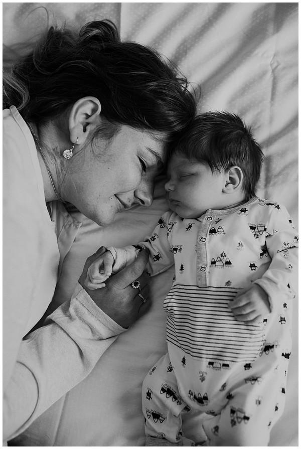 oh-belle_newbornshoot-kockengen_newborn-shoot-utrecht_newborn-lifestyle-shoot-thuis_fotoshoot-baby-thuis_0104 Newborn shoot Kockengen Jan
