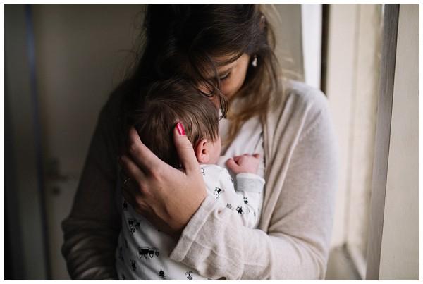 oh-belle_newbornshoot-kockengen_newborn-shoot-utrecht_newborn-lifestyle-shoot-thuis_fotoshoot-baby-thuis_0110 Newborn shoot Kockengen Jan