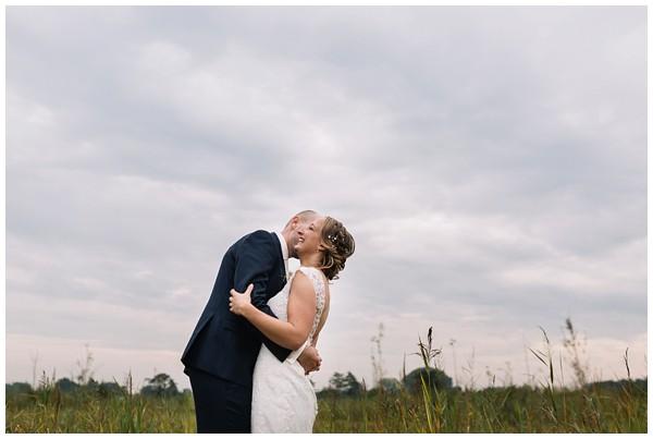 oh belle_bruiloft_renswoude_trouwen bij moeke_te leuk trouwen_thuis trouwen tent_0036