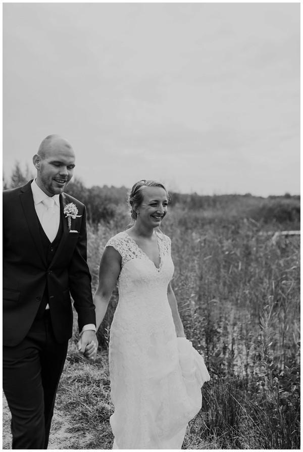 oh belle_bruiloft_renswoude_trouwen bij moeke_te leuk trouwen_thuis trouwen tent_0039