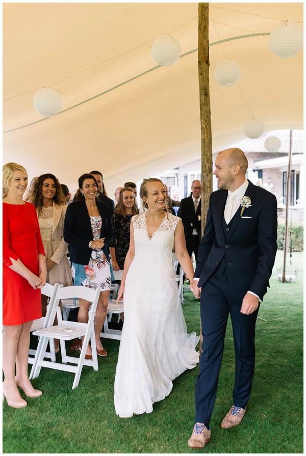 oh belle_bruiloft_renswoude_trouwen bij moeke_te leuk trouwen_thuis trouwen tent_0047