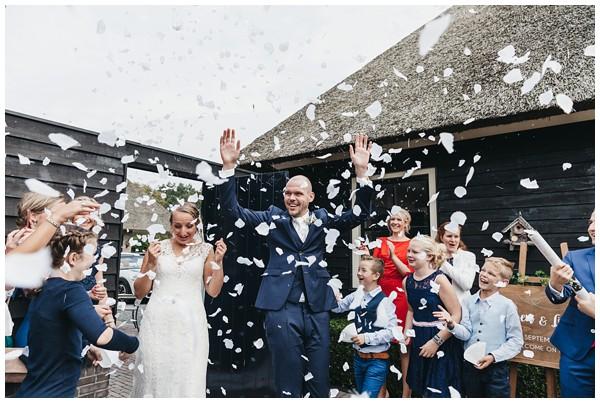 oh belle_bruiloft_renswoude_trouwen bij moeke_te leuk trouwen_thuis trouwen tent_0049