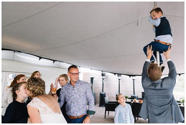oh belle_bruiloft_renswoude_trouwen bij moeke_te leuk trouwen_thuis trouwen tent_0059