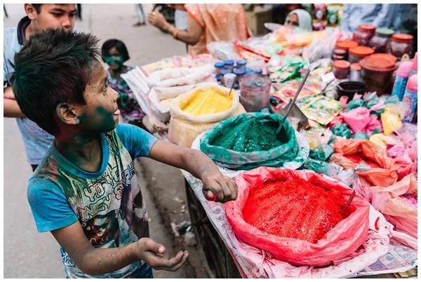 ohbelle_reisverslag-india_india-reis_varanasi-reizen_reisfotograaf_holi-festival-india_holi-festival-delhi_0067 Reizen door India