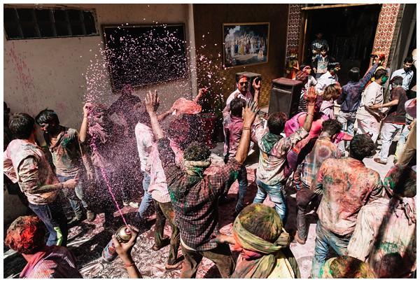 ohbelle_reisverslag-india_india-reis_varanasi-reizen_reisfotograaf_holi-festival-india_holi-festival-delhi_0081 Reizen door India