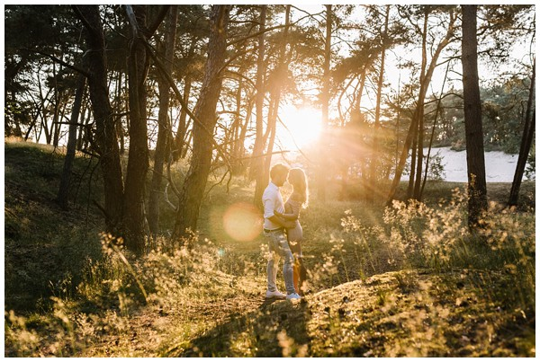 ohbelle_fotograaf-utrecht_loveshoot-lifestyle_lifestyle-fotograaf_natuurlijke-fotos-loveshoot_loveshoot-wekeromse-zand_tips-loveshoot_0019 Loveshoot golden hour Wekeromse Zand