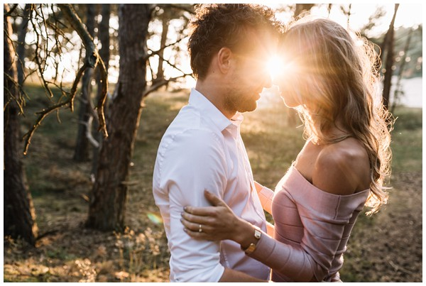 ohbelle_fotograaf-utrecht_loveshoot-lifestyle_lifestyle-fotograaf_natuurlijke-fotos-loveshoot_loveshoot-wekeromse-zand_tips-loveshoot_0020 Loveshoot golden hour Wekeromse Zand