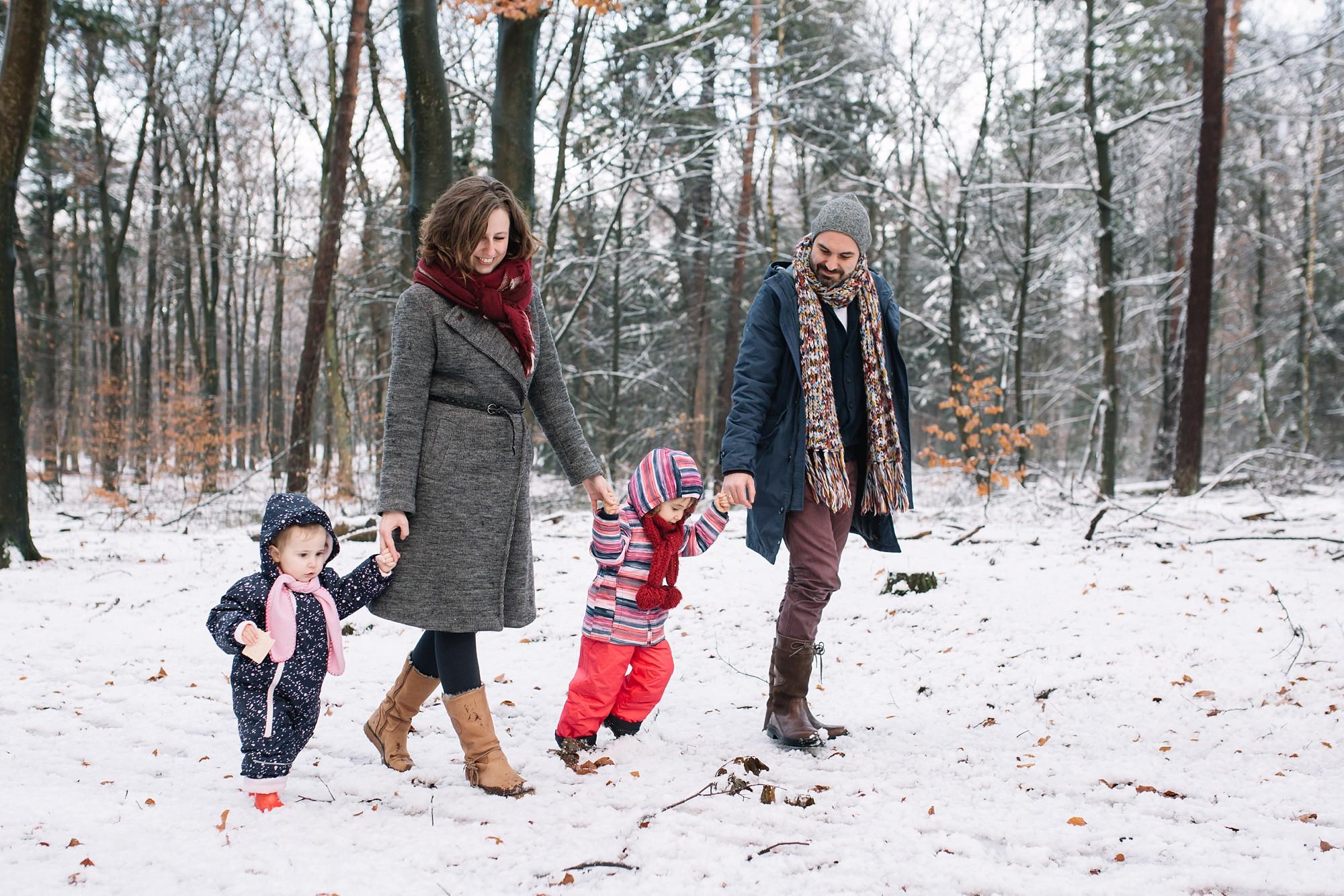 fotoshoot gezin in de sneeuw in ede