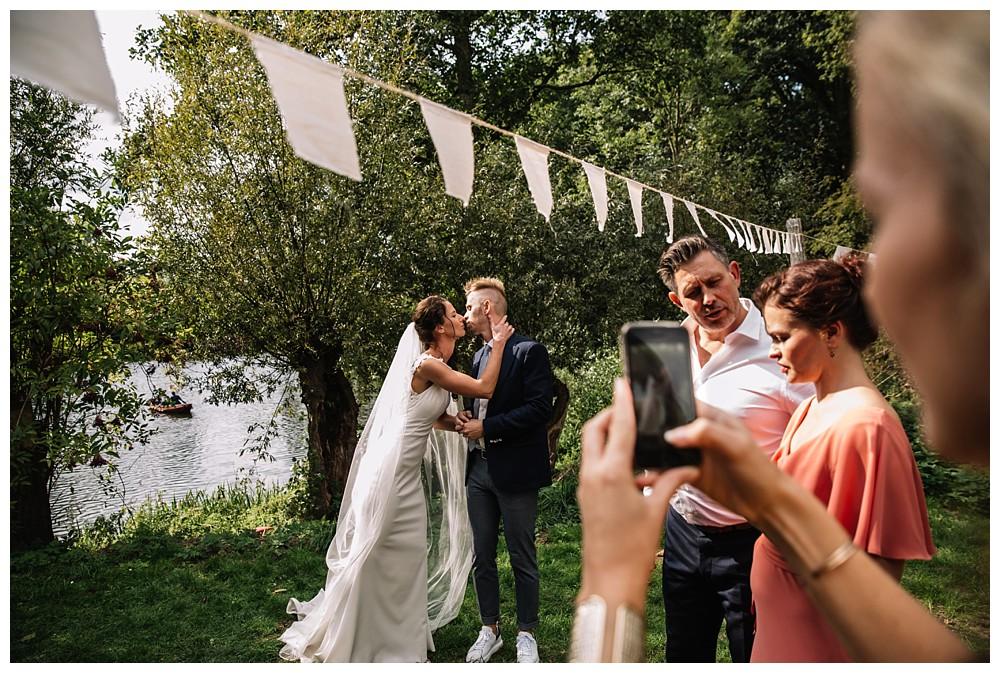 Oh-Belle_blog_bruiloft_fort-vechten_fotograaf-utrecht_0094 Bruiloft Fort Vechten Bunnik