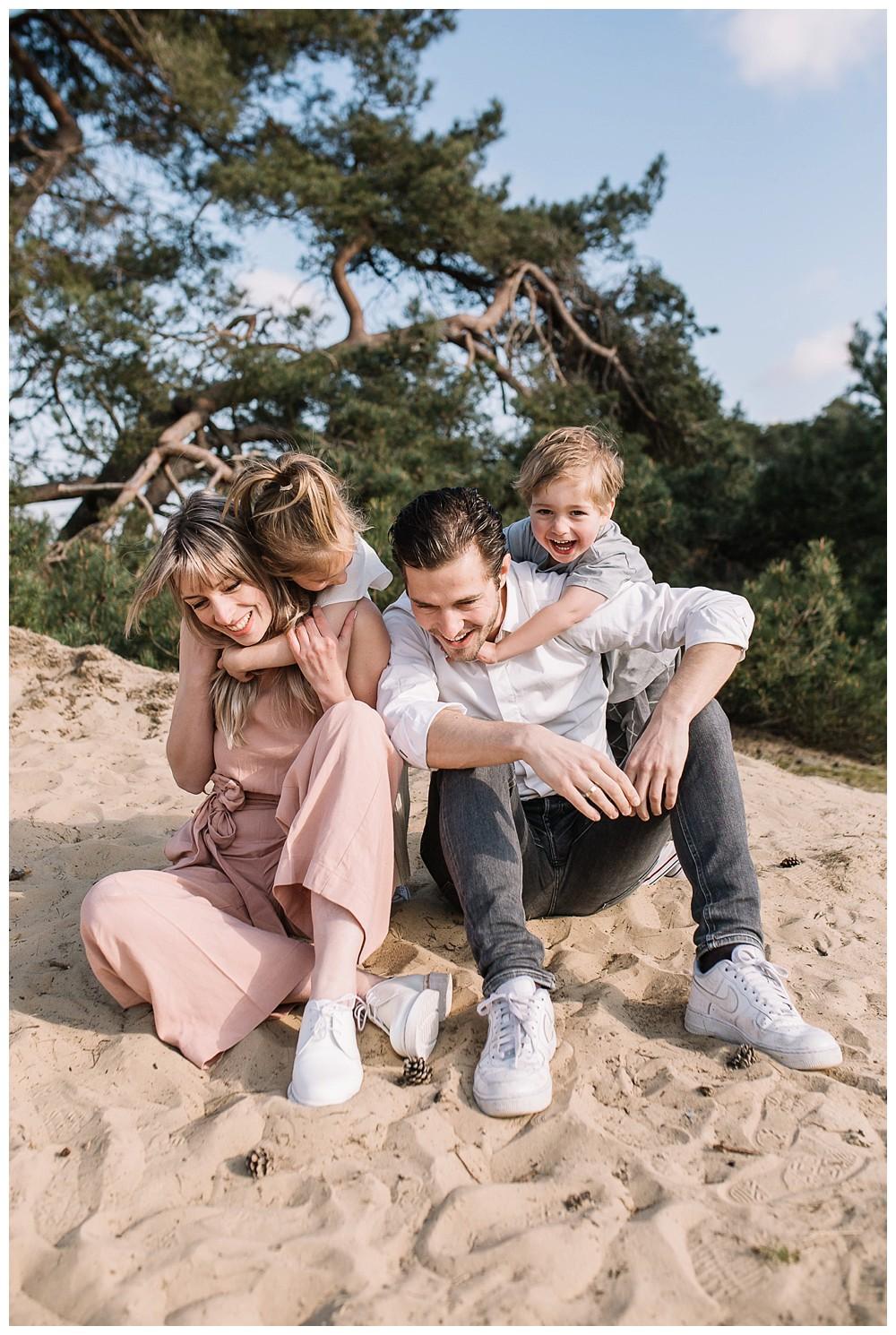 ohbelle_website_blog_gezinsshoot_Lifestyle_buiten_0256-kopie Lifestyle gezinsshoot Wekeromse Zand