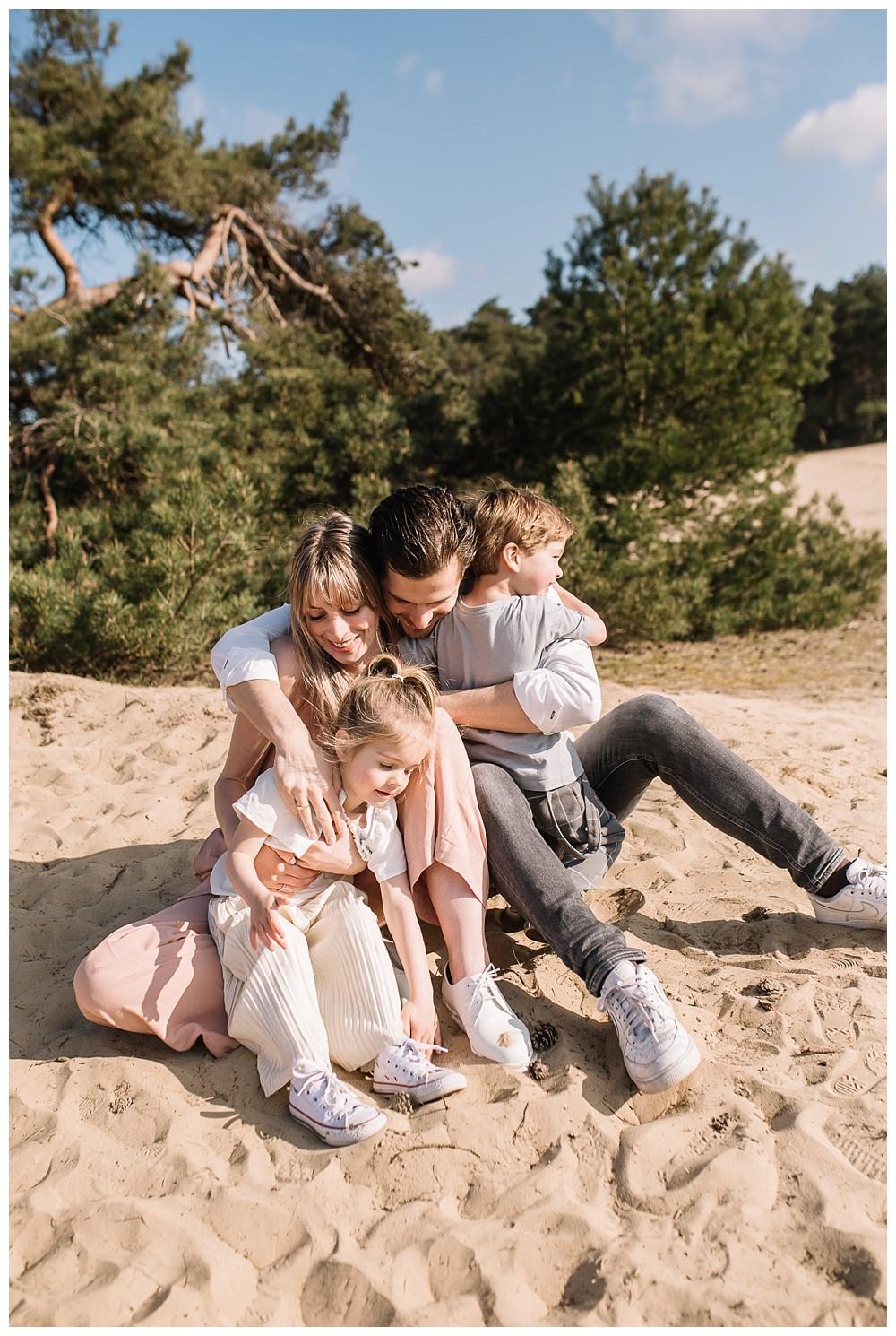 ohbelle_website_blog_gezinsshoot_Lifestyle_buiten_0258-kopie Lifestyle gezinsshoot Wekeromse Zand