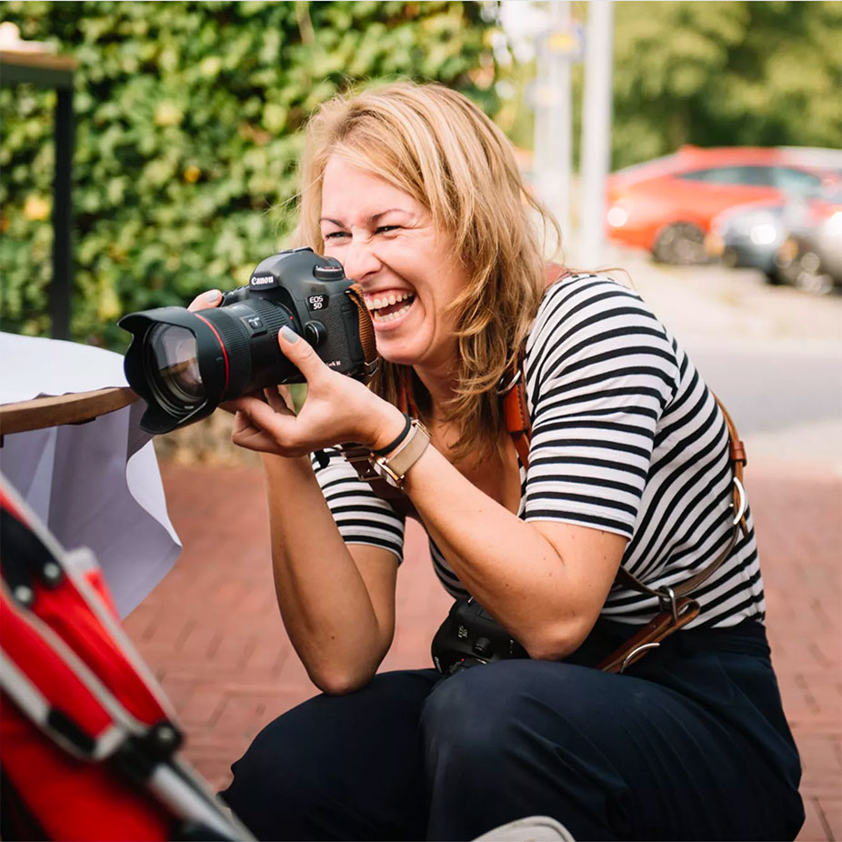 Corine aan het werk als fotograaf